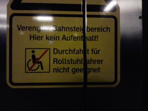 Sowas. Rollstuhfahrer bitte draußen bleiben.